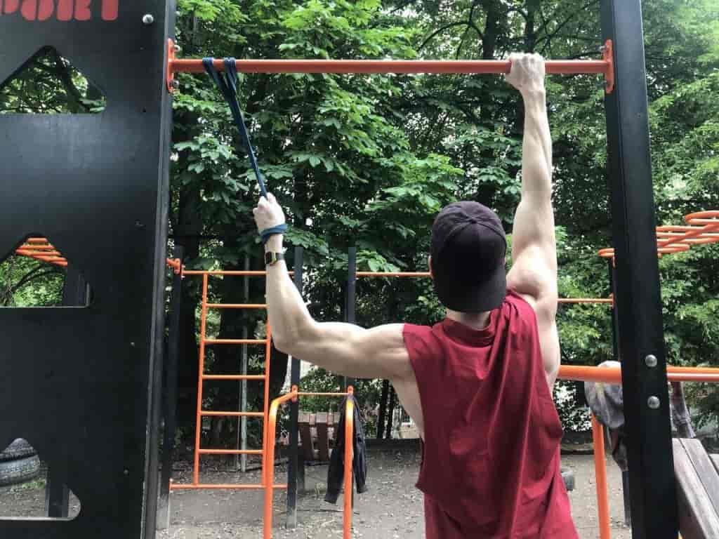Assisted One-Arm Pull-Up